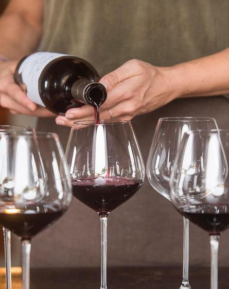 10 rád ako zorganizovať degustáciu vína v lete